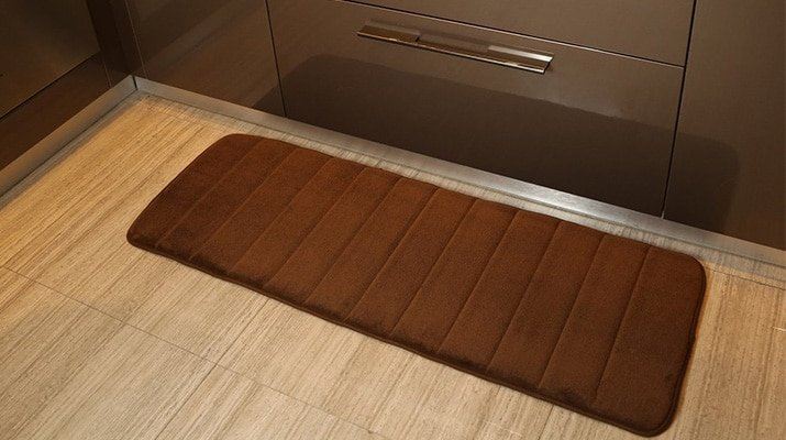 top feature  of area rugs for-kitchen