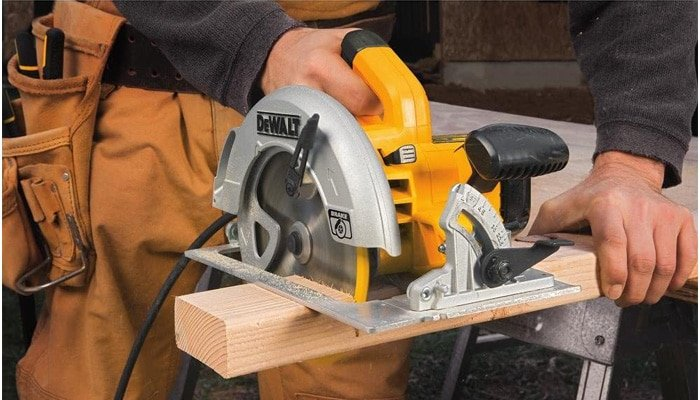 features of circular saw