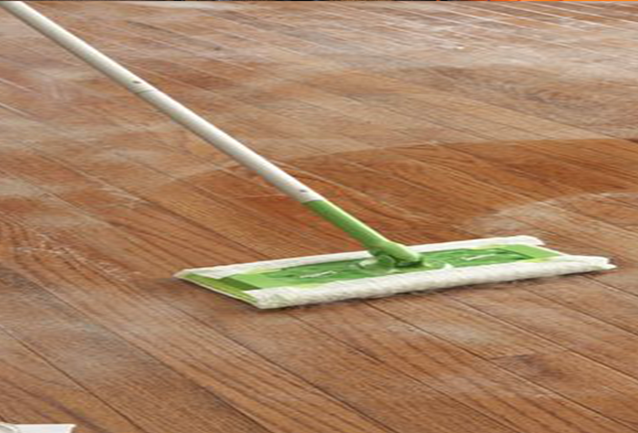 cleaning laminate wood