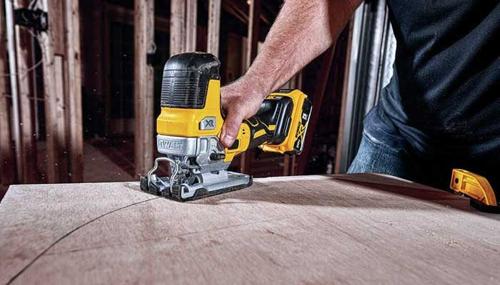 dewalt dcs335b 20v max jig saw review