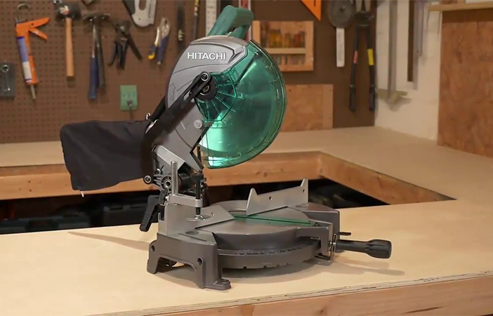 hitachi c10fcg compound miter saw