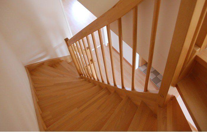 laminate vs solid hardwood flooring