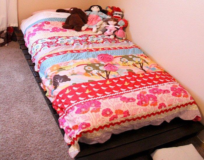 simpler still pallet bed