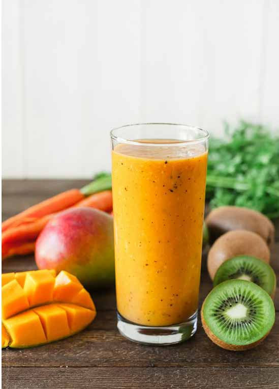 carrot-mango-and-kiwi-smoothie
