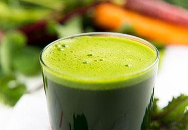 Carrot,-apple and wheatgrass juice